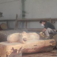 Panca ricavata da un tronco di cedro [donata al Comune di Monfalcone]